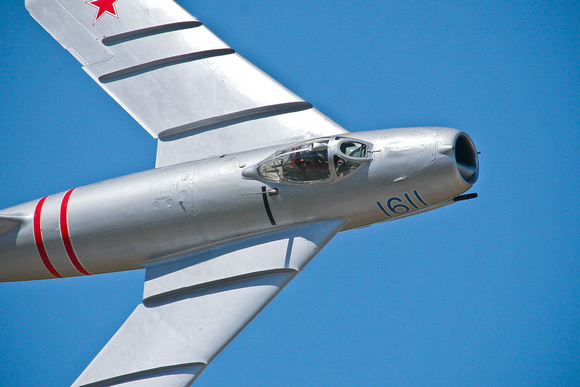 MIG 17 flyby